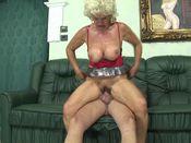 Oma beim ficken erwischt